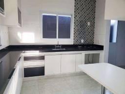 R.O Casa com 3 Quartos e 2 banheiros à Venda, 145 m²