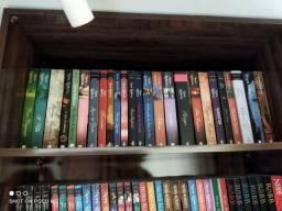 Coleção Livros semi novos Nora Roberts (leia descrição)