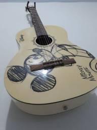 Vendo um violão PHX  380.00