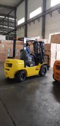 Empilhadeira Diesel | 2,5 toneladas | Torre Triplex | NOVA