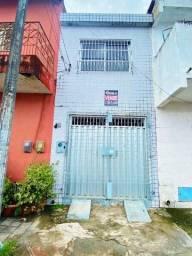 Casa Duplex na Aerolândia - Venda - R$ 120.000,00