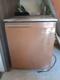 Mini Geladeira gelando e congelando muito bem!