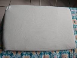 Travesseiro rampa para bebê