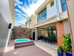 casa triplex com 4 suites em condomínio fechado na Mata da Praia
