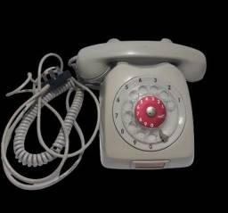 Telefone Ericsson antigo não testado.