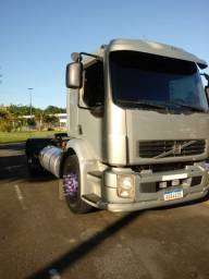 Torrando caminhão cavalo mecânico vm310 ou troco por camera fria 3/4