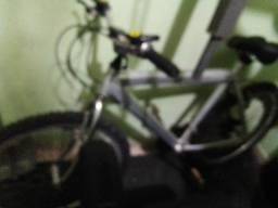Bicicleta de alumínio 18 marchas aro26