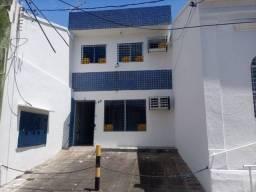 Título do anúncio: Casa para venda possui 250 metros quadrados com 6 quartos em Encruzilhada - Recife - PE