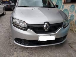 Renault Logan em perfeito estado e baixa Quilometragem.