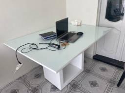 Mesa laqueada branca