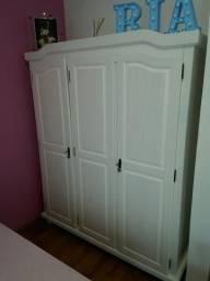 Guarda roupa retrô 3 portas novo !!!!