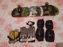 Skate usado + protetores