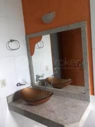 Casa com 3 quartos - Bairro Aeroviário em Goiânia