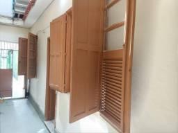 Alugo casa na Penha