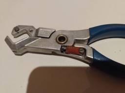 Alicate para corte de mangueira pneumática