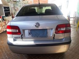 Vende- se polo sedan ano 2006