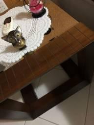 Mesa de madeira canto