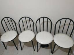 Jogo de 4 cadeiras
