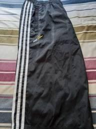 Vendo bermudão Adidas