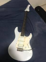 Guitarra Yamaha Pacífica 012
