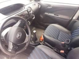 Toyota Etios Sedã 2015 1.5 impecável e novo - Aceito moto