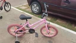 Bicicleta infantil aro 16 com rodinhas .Leia