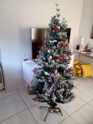 Árvore de Natal pouquíssimo uso.