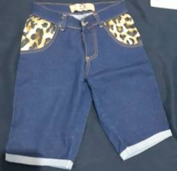 Roupa; bermuda jeans azul marinho