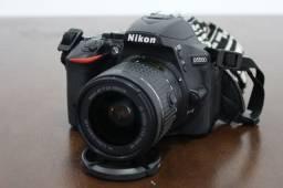 Nikon D5500 com lente