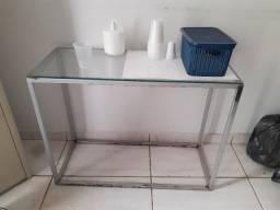 Aparador de vidro pequeno