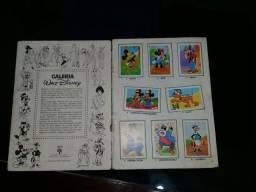 Álbum de figurinhas Antigo Disney