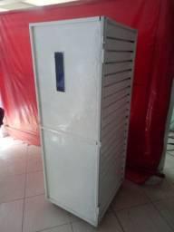 Vendo armário usado de panificação