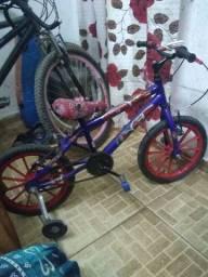 Vende-se uma bicicleta infantil aro 16 nova 350,00