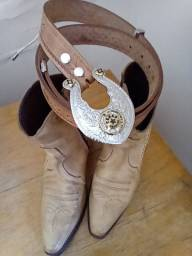 Bota de cowboy n 38 com cinto