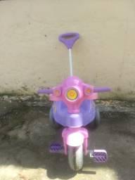 Triciclo com pedal calesita velocita+aceito cartão