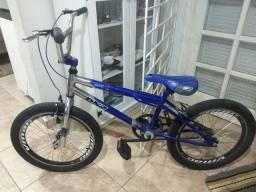 Bicicleta Cross aro 20 azul - excelente