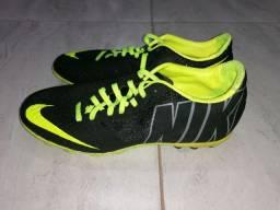 Chuteira Nike ACC