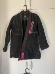 Kimono Feminino Preto KVRA® semi-novo