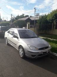 Focus sedan 1.6 8v 2007 prata completo