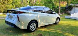 Toyota Prius Hybrid 2016 com 46 mil km