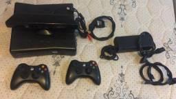 X Box 360 (Kinect opcional)
