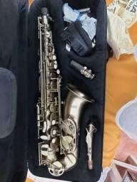Sax Alto Eagle SA 500 VG envelhecido  + boquilha Claude Lakey