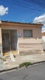 Alugo Casa com 03 Quartos no Bairro do José Pinheiro - Imperdível