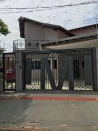 Sobrado à venda, 4 quartos, 2 suítes, Vila Planalto - Campo Grande/MS