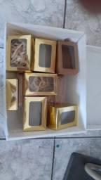 Caixinhas para presentes com visor