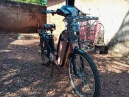 Bicicleta elétrica com autonomia de 40km com carga total