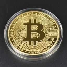 Moeda Física Bitcoin - Banhada Ouro - Alto Relevo