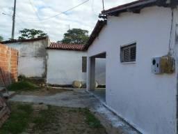 Vendo / Troco por casa em Maranguape