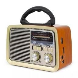 Rádio A Pilha E Tomada Am Fm Sw Pendrive Com Sd Radinho Usb
