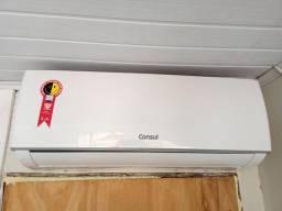 Título do anúncio: Vendo ar condicionado Split 9.000btus poucos meses de uso ainda está na garantia
